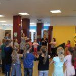 Pasowania na czytelnika klasy I ze szkoły w Olesznie