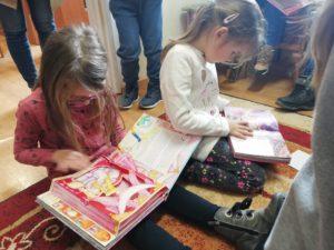 Przedszkolaki z Bukowej w świecie baśni i bajek